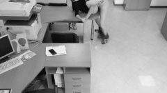 Boss Banged His Married Receptionist On The Table And Filmed It On A Spycam